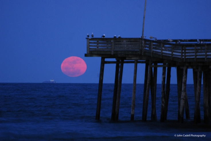 """Virgina Beach Moon Rise... So excited I found home while browsing through """"travel"""" on Pinterest"""