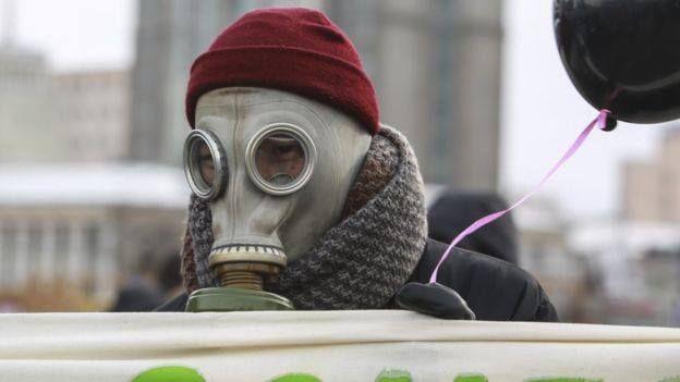 Studi: Vitamin B tangkal polusi berbahaya  Ilustrasi (BBC)  Peneliti di Amerika Serikat menemukan bahwa dosis tinggi suplemen vitamin B dapat mengimbangi kerusakan sel yang disebabkan partikel halus (radikal bebas). Para ilmuwan mengatakan suplemen memiliki efek nyata tetapi juga menekankan keterbatasannya. Penelitian lanjutan masih dibutuhkan terutama di kota yang sangat tercemar seperti Beijing atau Meksiko. Dampak polusi udara bagi kesehatan menjadi kekhawatiran masyarakat di seluruh…