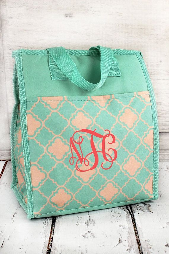 Monogrammed Insulated Lunch Tote. Mint/ Natural Quatrefoil