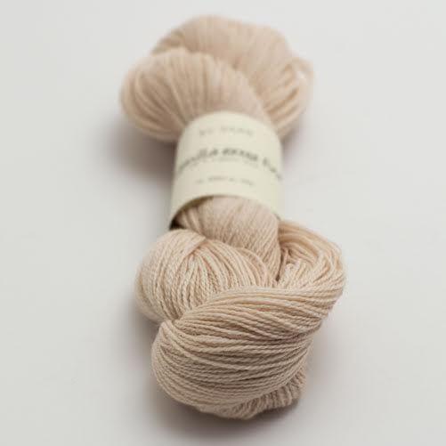 Organic wool lace yarn. Powder Pink