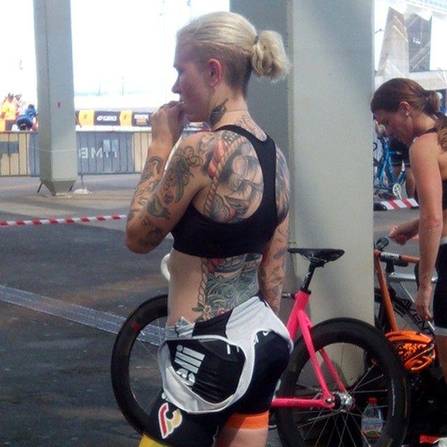 Life Behind Bar Amazon Holiday Deals - B2B2C Bicycle / Bike / MTB Accessories http://amzn.to/1kRvQhv