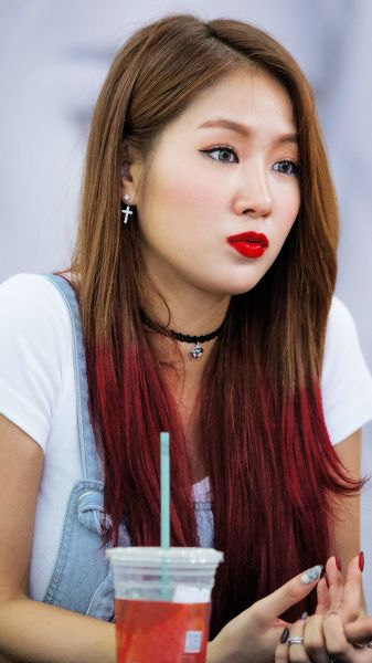 Absolutely beautiful Soyou ❤❤