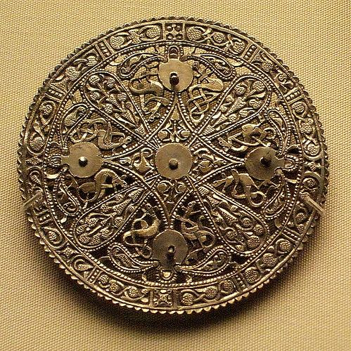 British Museum - jewellery 9th cent. disc brooch,late Anglo-Saxon