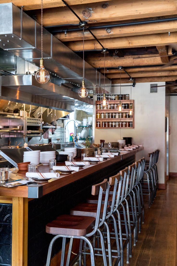 Gebratener Blumenkohlsalat mit Kichererbsen, Feta und Kräutern   – Kitchens