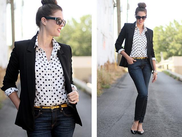 Polka dots & black blazer. Casual and chic!