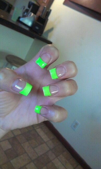 My lime green nail