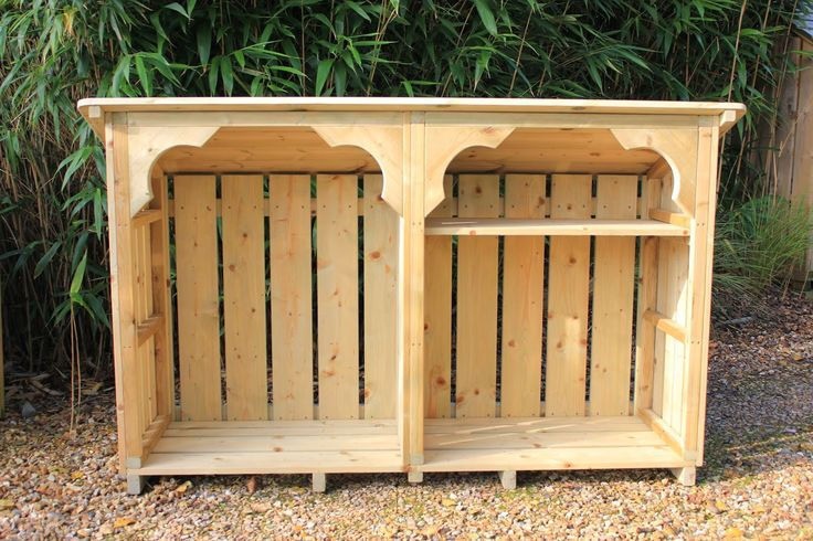 Are you looking for a log store to fit a particular spot in your #garden. Here at #Dorset Log Stores because we build everything ourselves we can customise heights and widths to suit you.