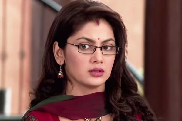 Sriti Jha Beautiful and Highly  Indian Television Actress  She Most Favorite TV Show is Kumkum Bhagya