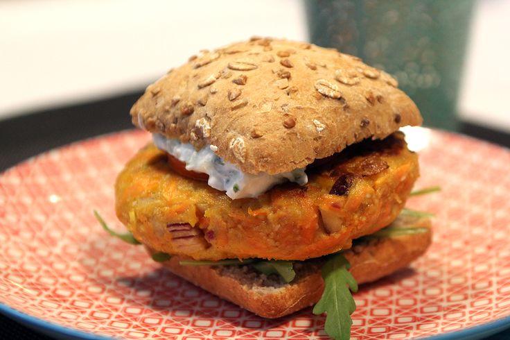 Dagen Zonder Vlees: wortelburger met tzatziki