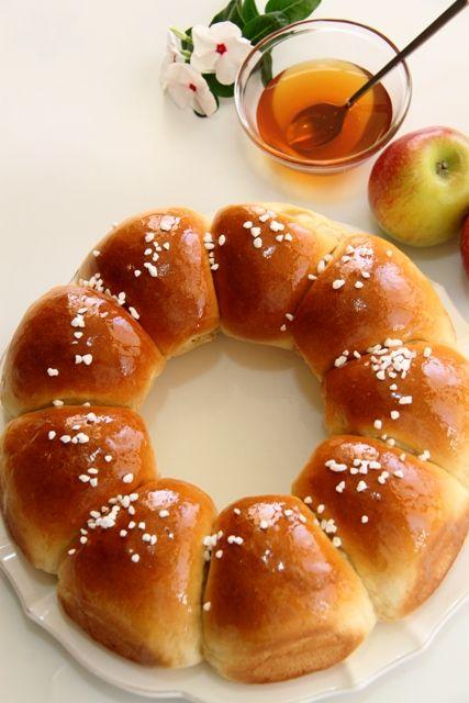 sweet honey bread rolls