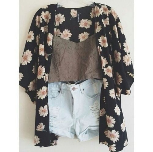 Shorts and a kimono I want this !