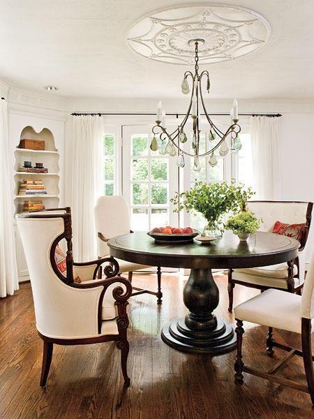 round dining room tableDining Rooms, Dining Area, Dining Room Tables, Dining Chairs, Kitchens Tables, Diningroom, Round Tables, White Wall, Dining Tables