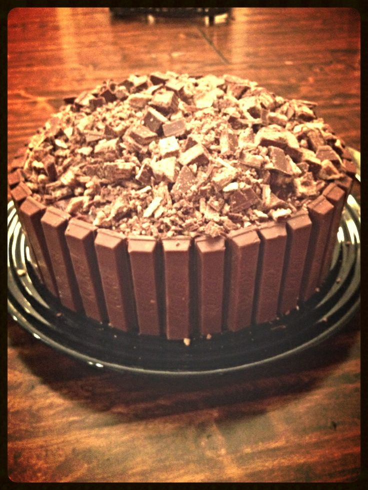 Kit-kat cake.....YUM