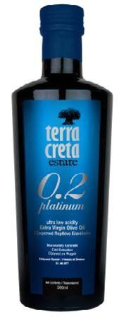 Terra Creta Platinum 0.2  1. Tuotettu tarkoin valituista oliiveista 2. Oliivit on kerätty vain tiettyyn sadonkorjuuaikaan 3. Tuotettu todella kontrolloidussa ympäristössä tieteelliseltä pohjalta 4. Tuotetta saadaan vain rajoitettu määrä vuosittain 5. Luonnollinen Kreetan saaren oliiveista saatava tuote