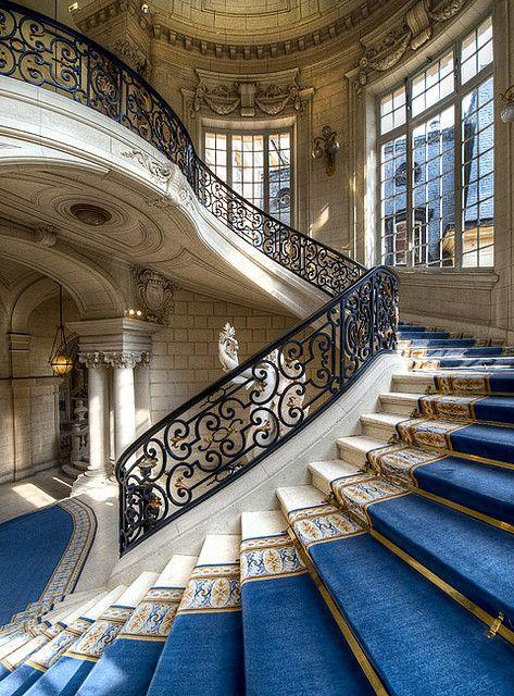 Versailles, i loveeeeeee cast iron railings and royal blue ...