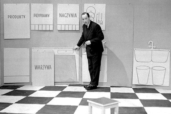 Jak ergonomicznie urządzić kuchnię? Najlepiej pokazać to na przykładach! (1960 r.) Fot. Zygmunt Januszewski