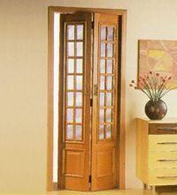 Saiba como funciona a Porta Articulada (ou Porta Camarão), onde utilizá-la e inspire-se em alguns modelos.   Clique Arquitetura   Seu portal de Ideias e Soluções