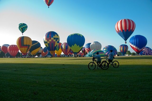 These 14 Festivals In Alabama An Absolutely Must-Do This Summer  Alabama has some of the best festivals around, and even though this year is nearly half over, you still have time to check out many festivals before the year ends.  Let's take a look at 14 Alabama festivals that visitors keep coming back to every year.