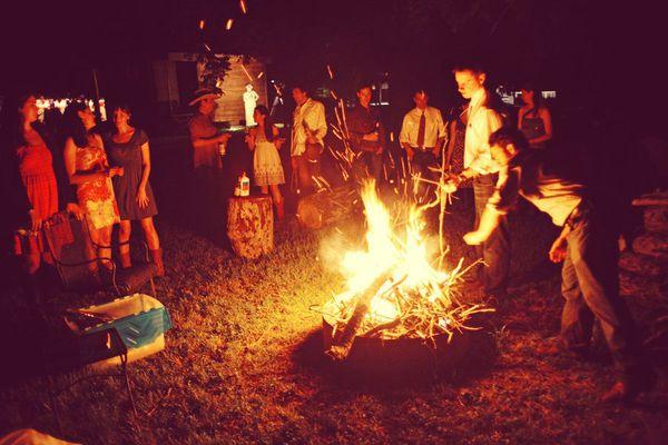 bonfiresss ♥: Bonfire Night, Beach Bonfires, Wedding Bonfire, Wedding Ideas, Weddings, Summer Bonfires 3, Summertime, Campfire, Photo