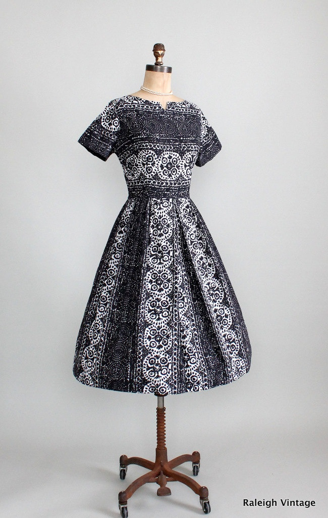 Vintage 1950s 60s Cotton Batik Day Dress