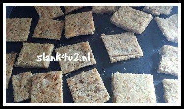 Koolhydraatarme knoflook-amandel crackertjes - Slank4u2