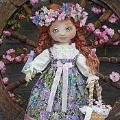Купить или заказать Текстильная куколка  Агнешка. в интернет-магазине на Ярмарке Мастеров. .....Нежная улыбка прячется в губах, Солнечные блики пляшут на кудрях. Ты – лесная фея, сказочные сны, Ты – подружка Солнца, вестница Весны! Рыжая девчонка, яркая душа. До чего красива, чудо хороша! ...
