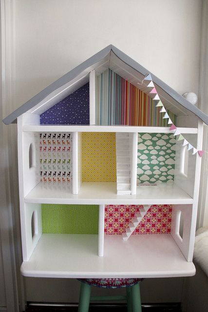 Using a Dolls Bookshelf as an open Dolls House for M's Maileg Collection! Love this idea for her Playhouse ❤️