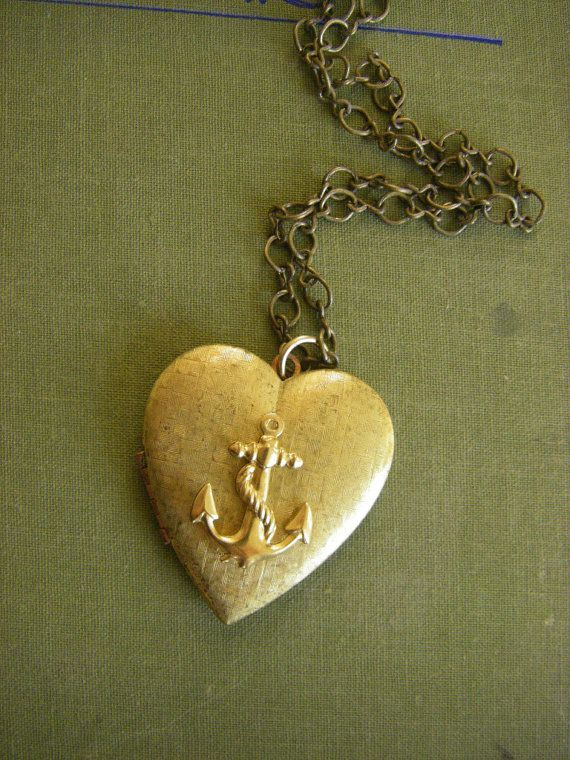 Vintage Anchor heart locket sailor girlfriend by CHAiNGEthesubject. Must Have One day