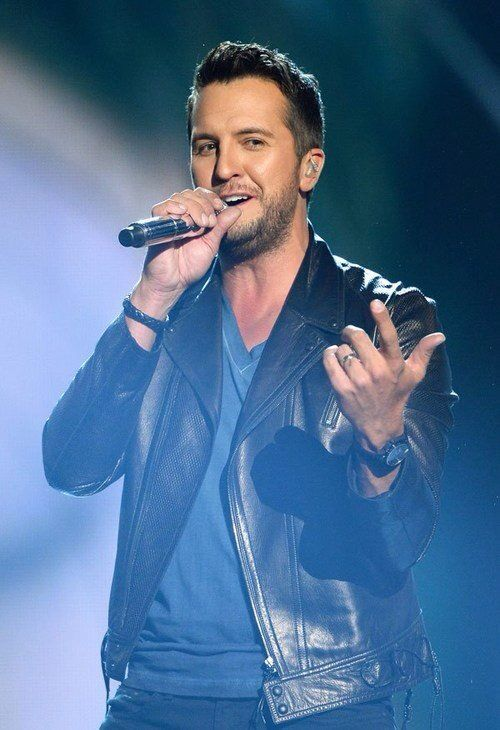 country star luke bryan playing budweiser gardens