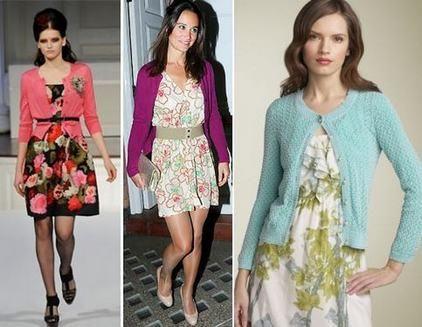 Легкое платье в цветочек и кардиган
