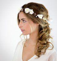 Idée coiffure de mariage : des cheveux ondulés naturels - Cosmopolitan.fr