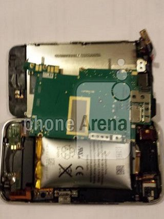 Apple iPhone 3GS Batteries Still Swell Up