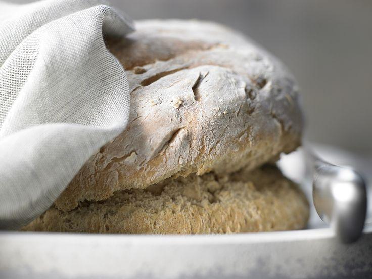 Irisches Sodabrot - mit Weizen-Vollkornmehl - smarter - Kalorien: 150 Kcal - Zeit: 20 Min. | eatsmarter.de Ein selbstgebackenes Brot kann fast nichts toppen.