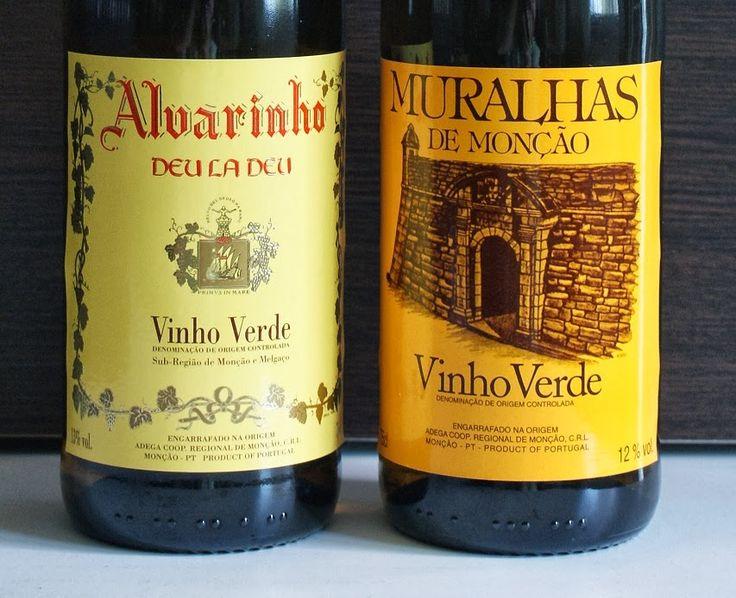 Os Vinhos de Monção e Melgaço têm reputação como os melhores Vinhos Verdes. Seu trunfo é a uva Alvarinho. Estes dois vinhos, da Adega Cooperativa de Monção, podem ser encontrados no Brasil.