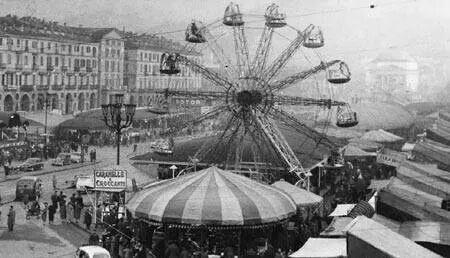Anni 60 - le giostre  - carnevale in Piazza Vittorio - Torino