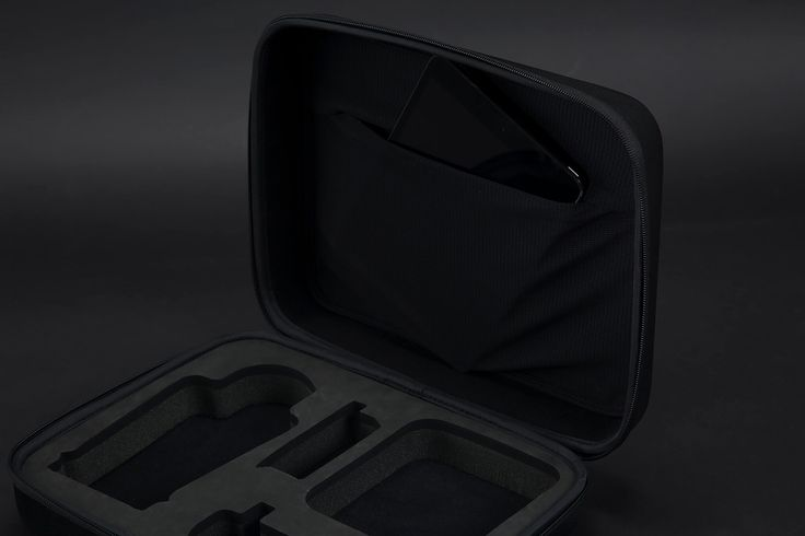 Incase Drone Compression Case. Easy access bi-fold compression molded shell with zippered main pocket.