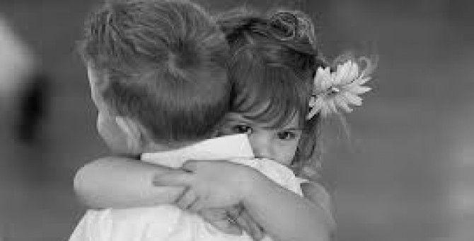 HUGS : Better than kiss