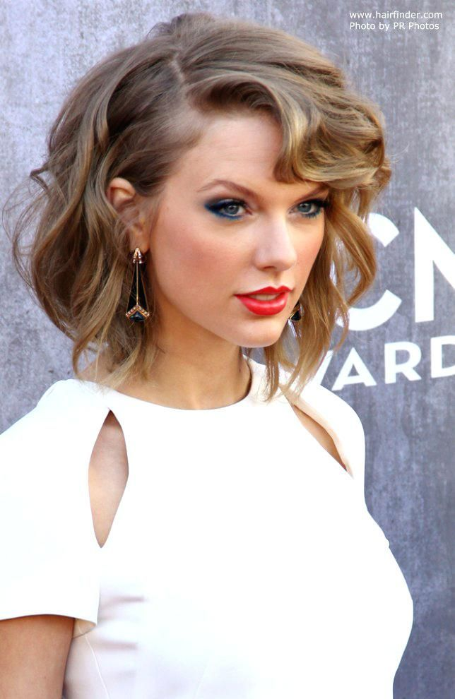 Taylor Swift Hairstyles Swift With Shorter Hair Taylor Swift Updo Hairstyles Tutorial Weddinghairstyles Short Hair Styles Short Hair Lengths Long Layered Hair