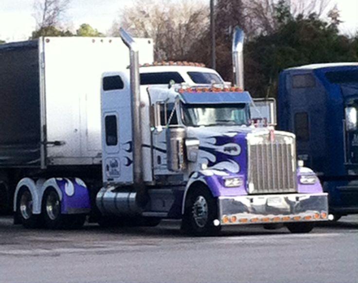 Kenworth W900L custom paint job sweet truck pilot truck