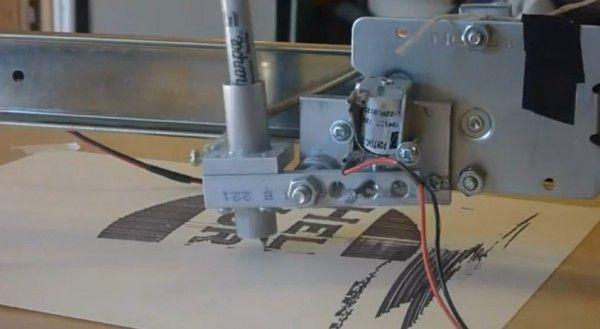une-imprimante-sur-pivot-central-realise-avec-un-arduino