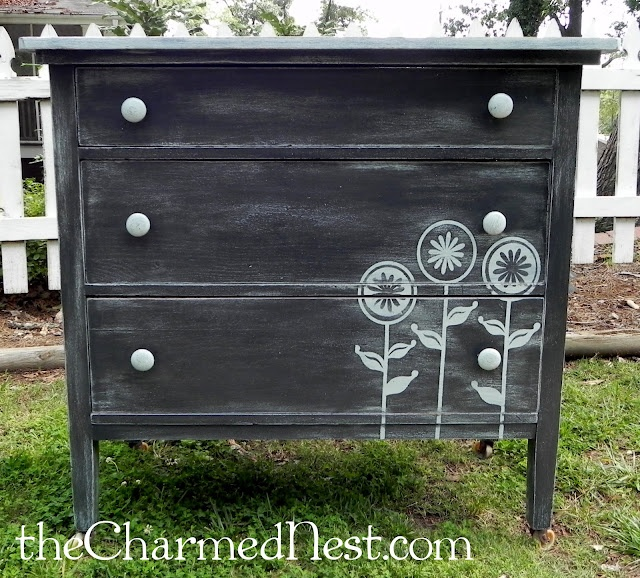 painted dresser: Paintings Furniture, White Flowers, Flowers Stencil, Blue Flowers, Dressers Paintings Flowers, Chalkboards Paintings, Paintings Dressers, Flowers Dressers, Little Flowers
