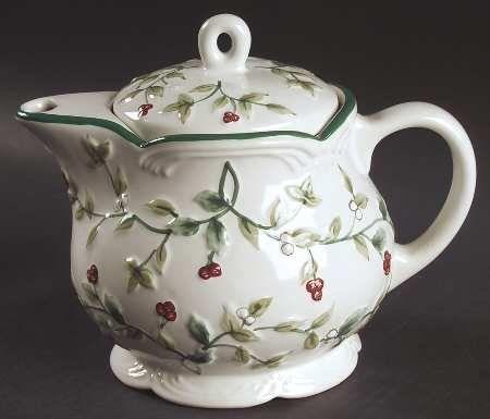 Pfaltzgraff Winterberry Mini Teapot u0026 Lid Fine China Dinnerware Pfaltzgraff // & 48 best My Winterberry dishes images on Pinterest | Dishes ...