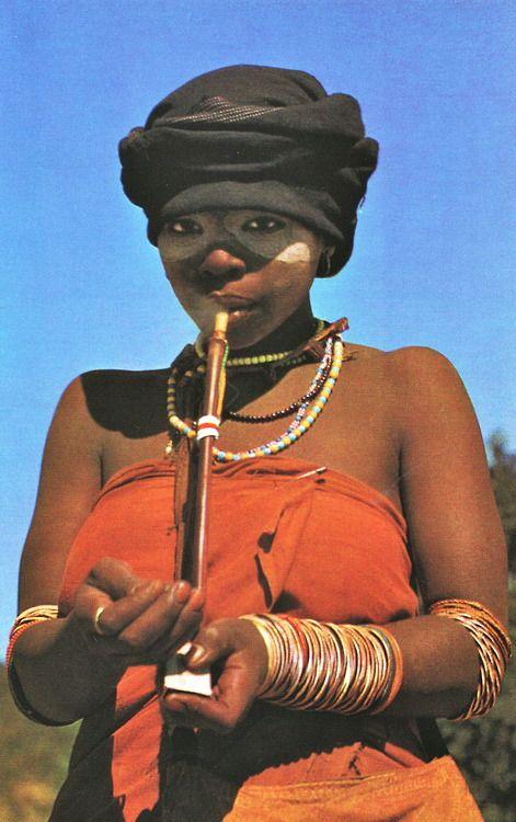 endilletante:  Afrique, désert, steppe, forêt vierge de Emil Egil. Editions Silva, Zurich, 1963.  Southern Africa, perhaps Xhosa?