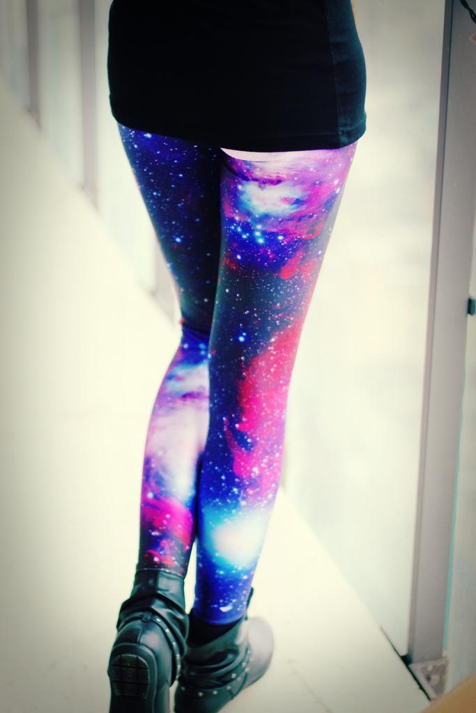 25+ best ideas about Galaxy Leggings Outfit on Pinterest | Galaxy leggings Space leggings and ...