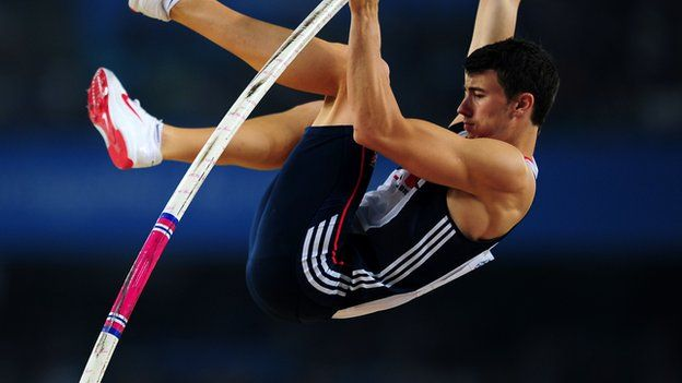 London 2012: Steven Lewis breaks British pole vault record