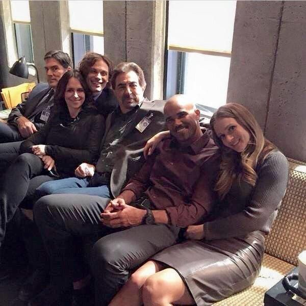 Thomas Gibson, Jennifer Love Hewitt, Matthew Gray Gubler, Joe Mantegna, Shemar Moore, and AJ Cook