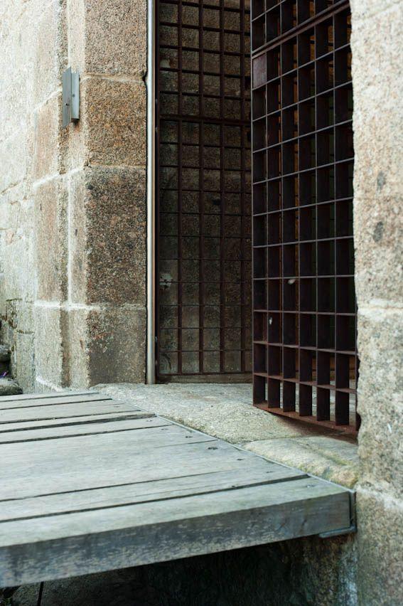 Souto de Moura   Conversion of the Santa Maria do Bouro Convent into a State Inn