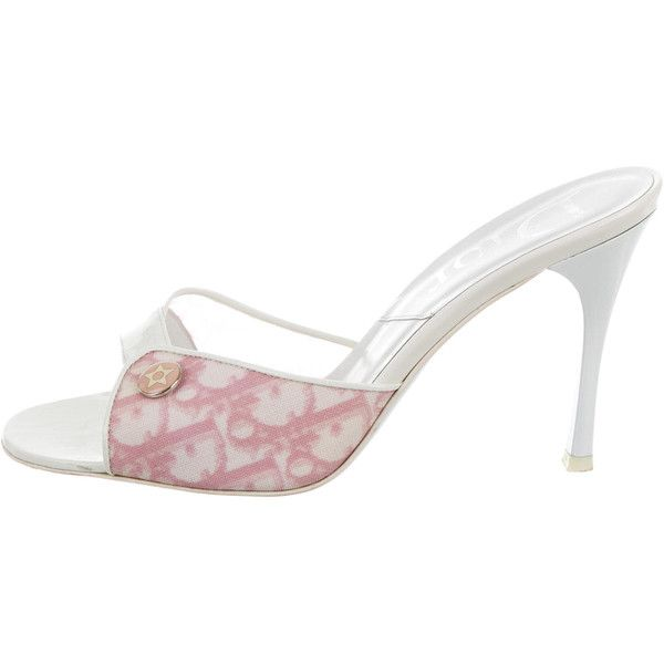 Pre-owned Christian Dior Diorissimo Slide Sandals (€63) ❤ liked on Polyvore featuring shoes, sandals, pattern prints, slide sandals, ivory patent leather shoes, pre owned shoes, patent shoes and patent leather shoes