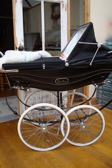 I lived in New York City's Upper East Side, I would buy one of these so fast and go the park with my baby everyday.