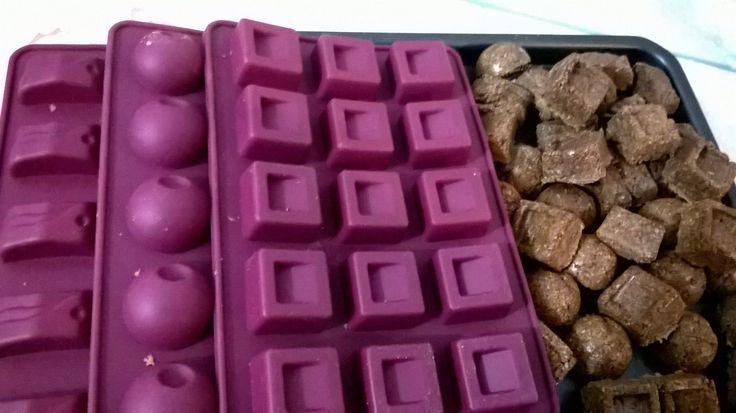 Nada como comida caseira boa e apetitosa não é mesmo? Hoje vamos ensinar você a fazer a receita de biscoito de cacau mulheres magras dukan, essa receita dukan você não pode perder.